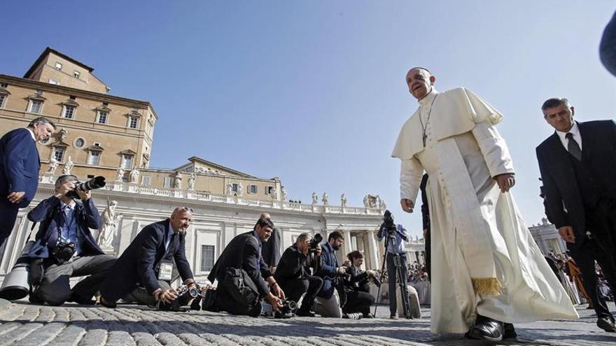 El papa pide a los colombianos que se esfuercen por construir juntos la paz