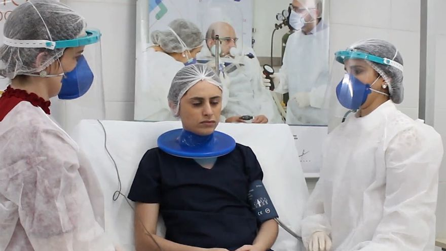 Un casco brasileño de respiración artificial reduce la intubación en un 60 %