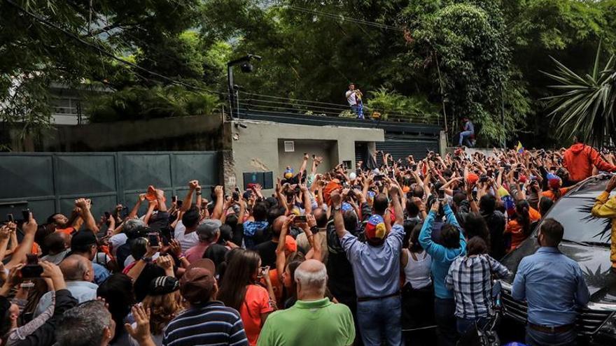 La comunidad internacional espera que el traslado de López impulse el diálogo en Venezuela