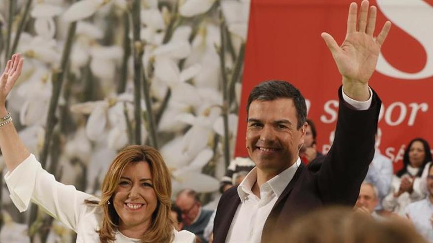 Pedro Sánchez junto a Susana Díaz en un acto en Madrid