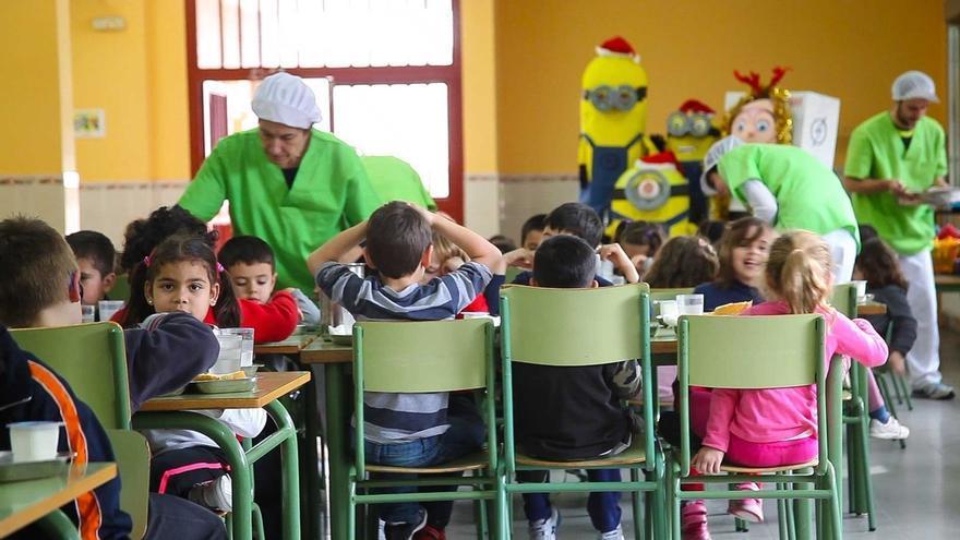 Junta destina cerca de 100.000 euros para que unos 4.600 niños acudan a los comedores escolares durante la Navidad