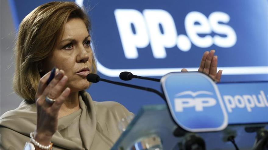 """Cospedal dice que Rajoy será candidato, pese a quien quiere """"hundir el barco"""""""