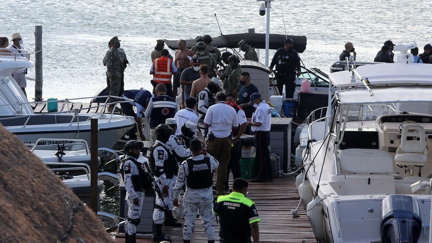 Dos muertos al caer una avioneta en una zona turística de Cancún