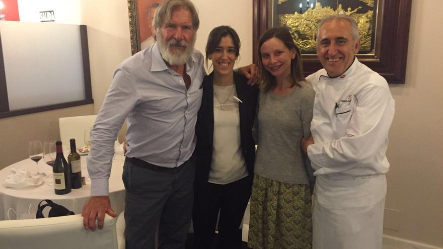 Harrison Ford y Calista Flockhart en el restaurante Adolfo de Toledo / Twitter @adolmg