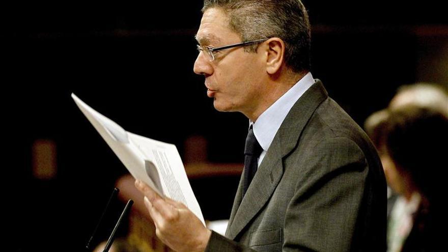 Gallardón dice que la ley resolverá situaciones difíciles de malformación del feto