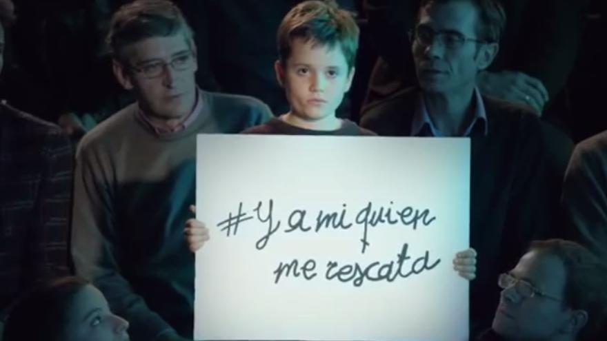 Fotograma de un anuncio de la ONG Save the Children para combatir la pobreza infantil
