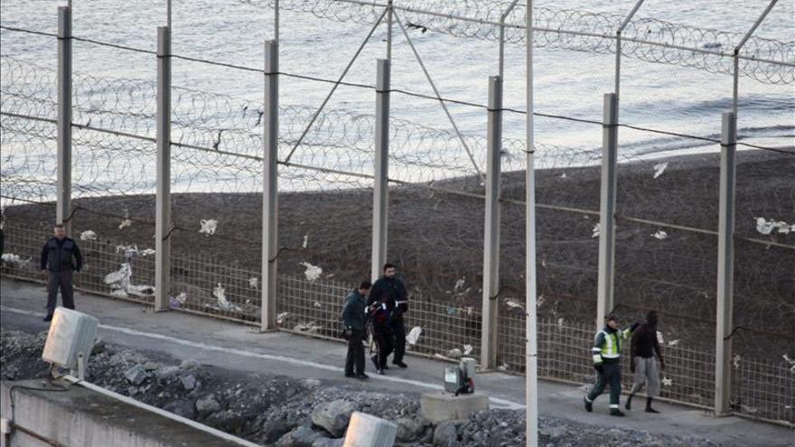 La Guardia Civil dice que no se aprecian impactos sobre inmigrantes en los vídeos aportados al juez