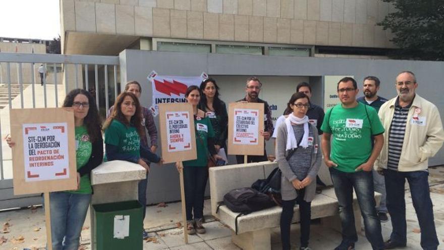 Protesta contra los despidos de los interinos en Ciudad Real