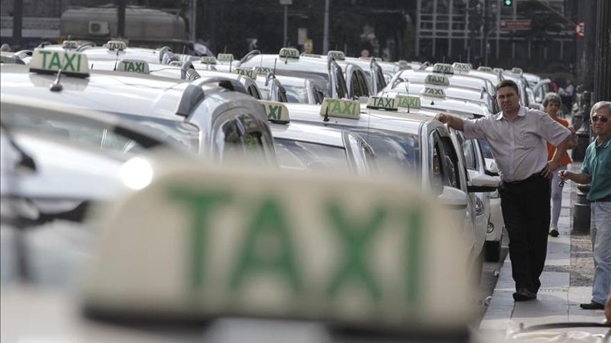Los taxistas vuelven a protestar en Río de Janeiro contra Uber