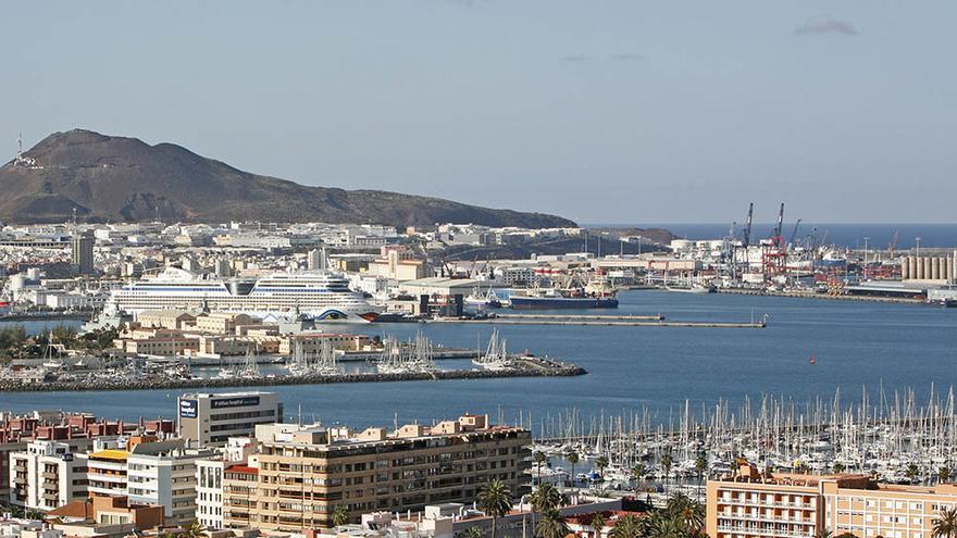Puerto de La Luz y de Las Palmas. (Foto: Alejandro Ramos)
