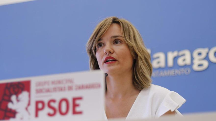 Pilar Alegría en sala de prensa tras la investidura de Jorge Azcón