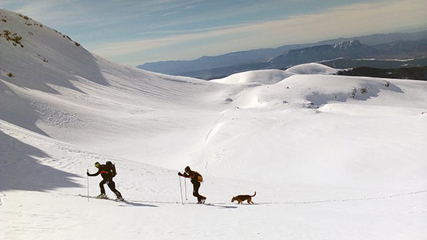 Las inmensas palas de Collarada son el escenario perfecto para pasar una gran jornada de esquí de montaña, especialmente cuando está bien tapizado de nieve.