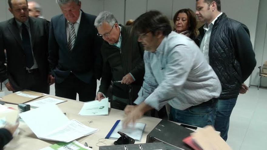 Nueva Canarias registra la lista electoral de la formación nacionalista al Ayuntamiento de Las Palmas de Gran Canaria.