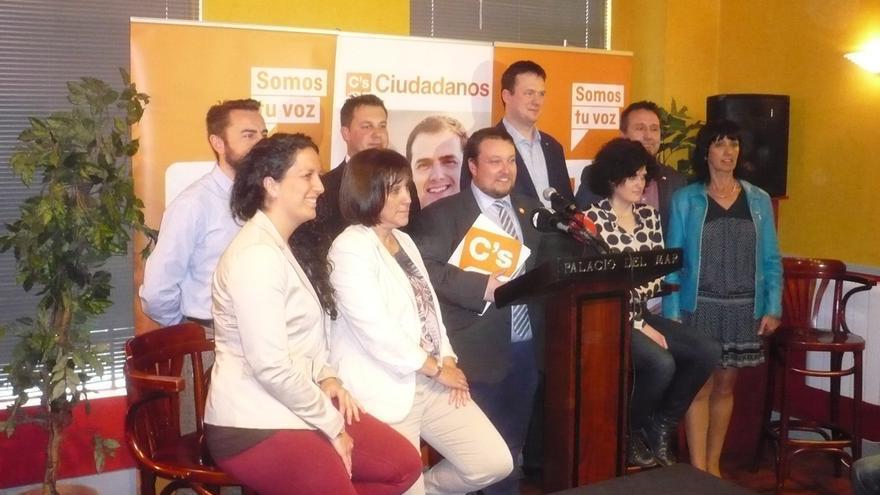 Los candidatos de Ciudadanos al Parlamento de Cantabria.