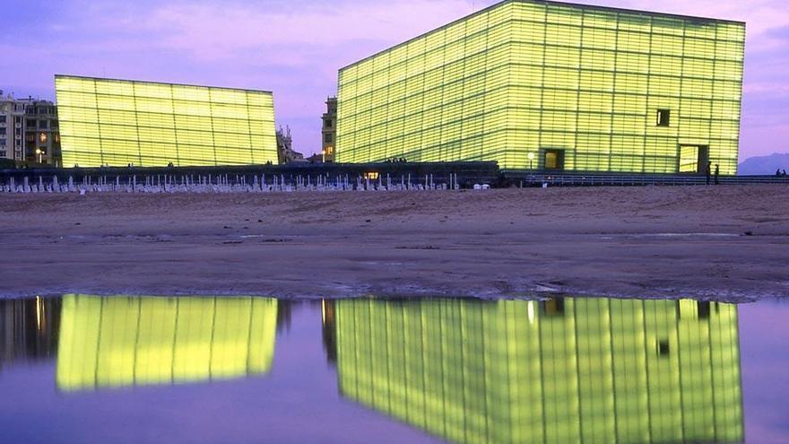 Izagirre destaca la importancia de comunicar los dos cubos del Kursaal para acoger congresos de grandes dimensiones
