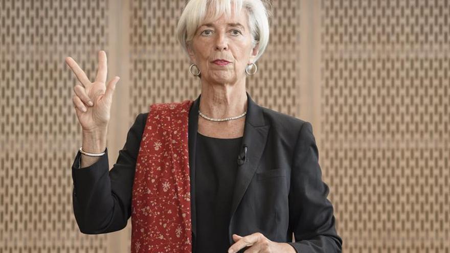Lagarde pide impulsar la innovación y el comercio para aumentar la productividad