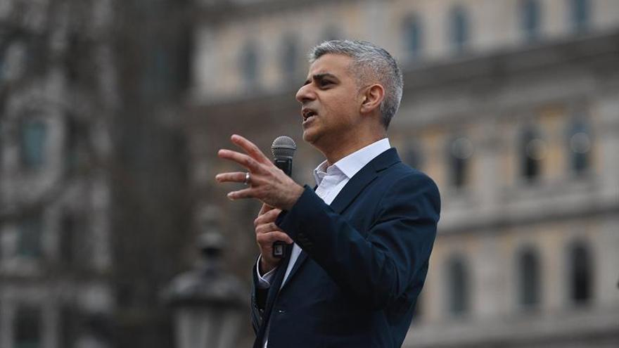 El alcalde de Londres convoca una vigilia en la plaza de Trafalgar