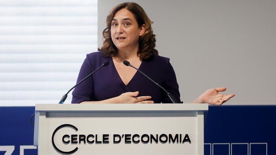 """Colau critica el """"toque de queda informal"""" que deben asumir los ayuntamientos"""
