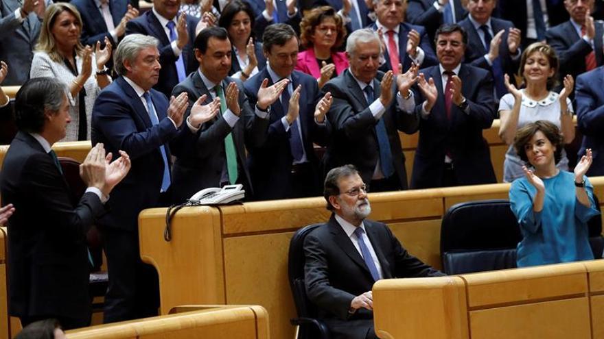 """Rajoy: """"No es Cataluña sino España entera lo que está encima de la mesa"""""""