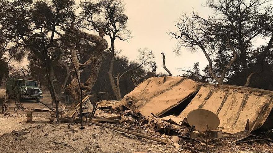 Incendios en el oeste de EE.UU. han consumido miles de kilómetros y siguen activos