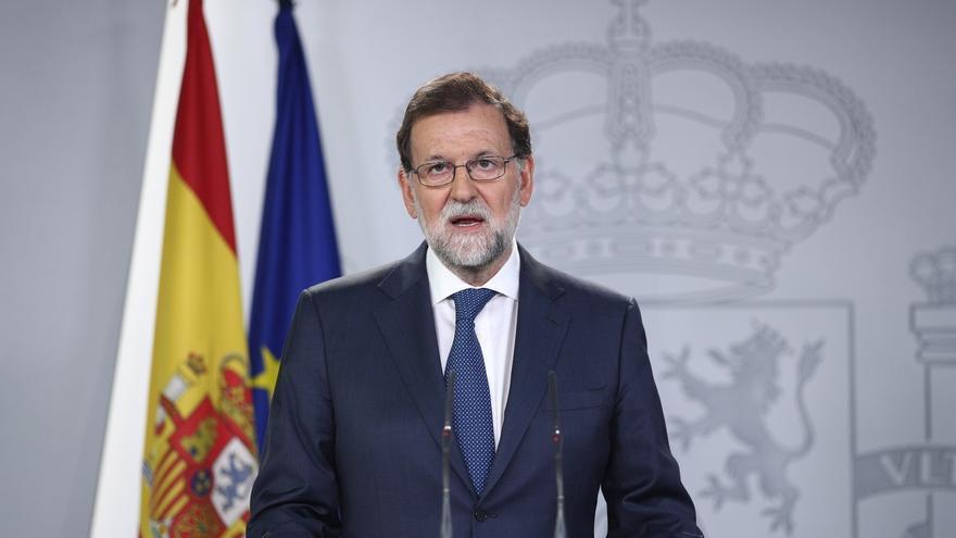 """Rajoy advierte a Puigdemont: """"haré todo lo necesario sin renunciar a nada"""" para defender la democracia española"""