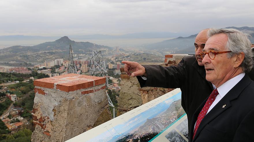Guallart, en segundo plano, con el exalcalde de Barcelona Xavier Trias