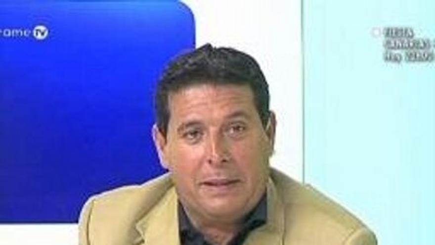 El abogado Carlos Álvarez no ocultó su alegría tras la petición de la Fiscalía.