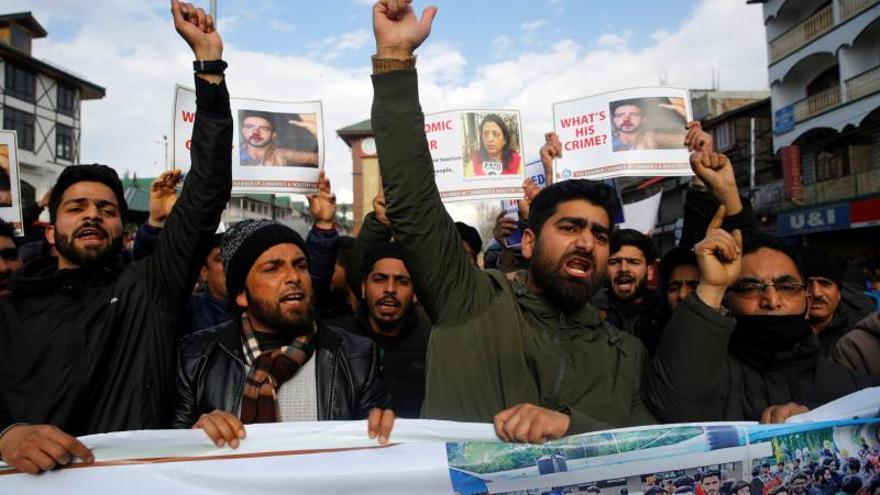 """El Ejército paquistaní afirmó que está preparado para responder """"con toda su fuerza"""" a cualquier ataque de la India."""