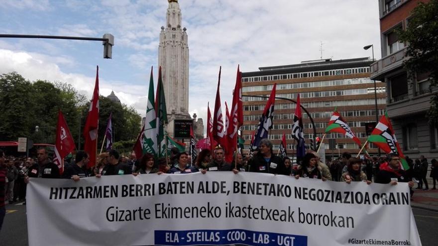 Cabecera de la manifestación de docentes de la red concertada, en Bilbao. Foto: ELA