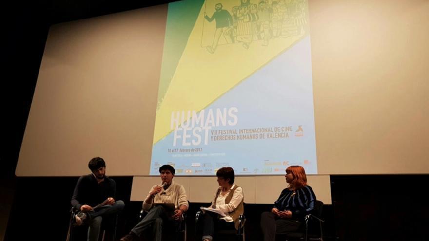 De izquierda a derecha: Quique Sánchez (asistente de producción del Humans Fest), Edgard Vega (Centre Delàs), María Escalona (Amnistía Internacional País Valencià), Pepa Prósper Candel (Valencia en Bici – Acció Ecologista Agró)