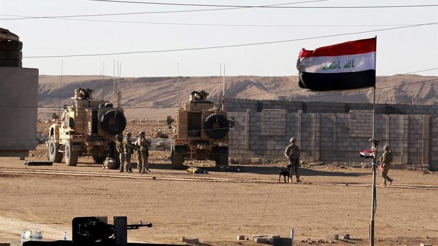 Mueren 100 personas en un bombardeo contra una ciudad iraquí controlada por el EI