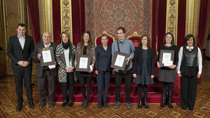 Barkos destaca el ejemplo que representan los nuevos galardonados de la Juventud 2015