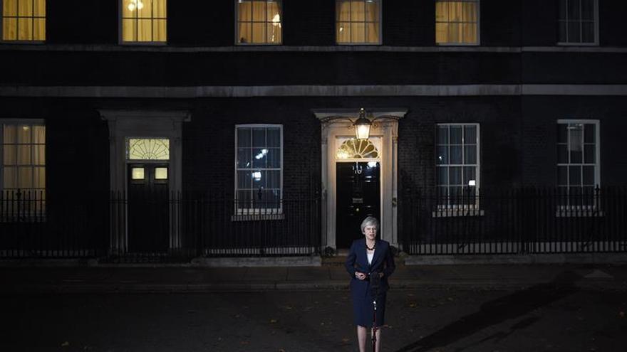 """May plantea al Parlamento el acuerdo de """"brexit"""" ante una gran oposición"""