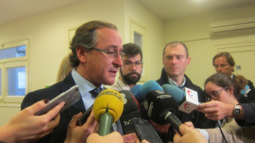 """Alonso ve """"estancadas"""" las negociaciones de Sánchez y dice que """"conducen a otro bloqueo"""""""