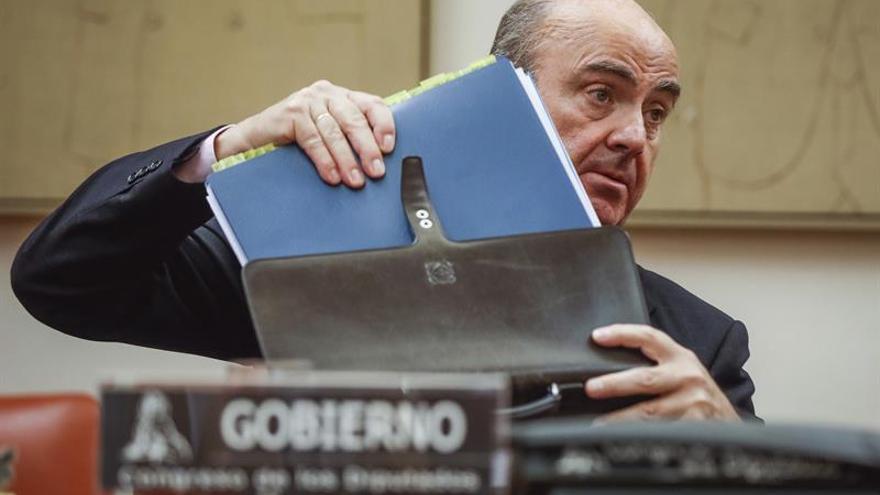 """De Guindos recuerda que """"no hubo ninguna oferta"""" para comprar el Popular"""