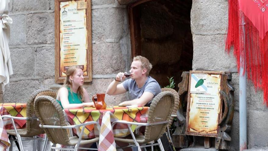 Los turistas extranjeros gastaron 42.942 millones hasta julio, un 7,9 por ciento más