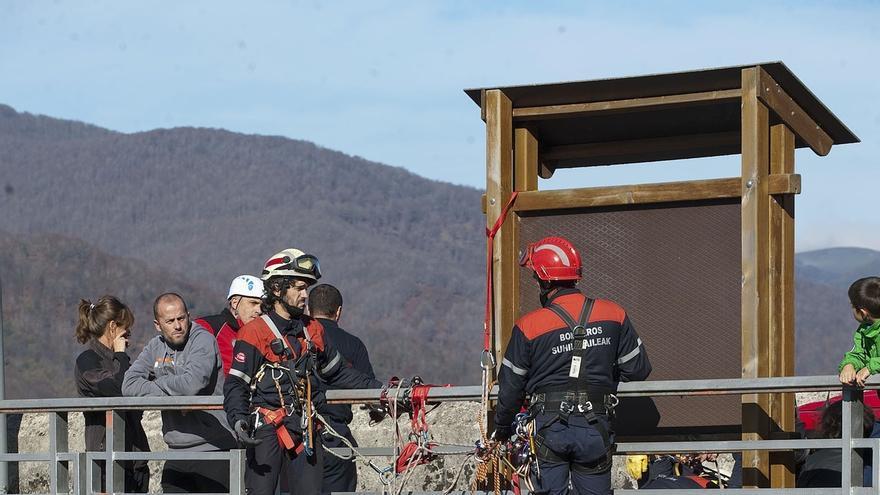 200 efectivos de Navarra y Pirineos Atlánticos ensayan su coordinación ante emergencias en un terremoto simulado