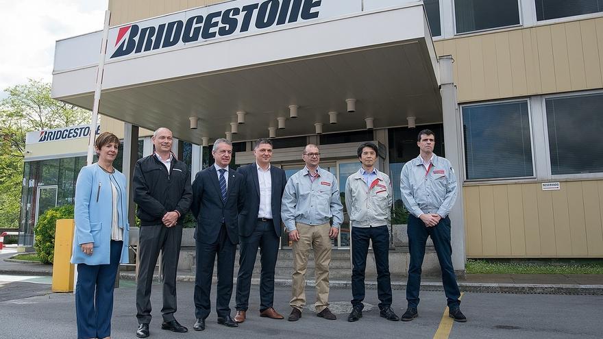 Urkullu dice que en Bridgestone se encuentran las claves para la industria, inversión, innovación e internacionalización