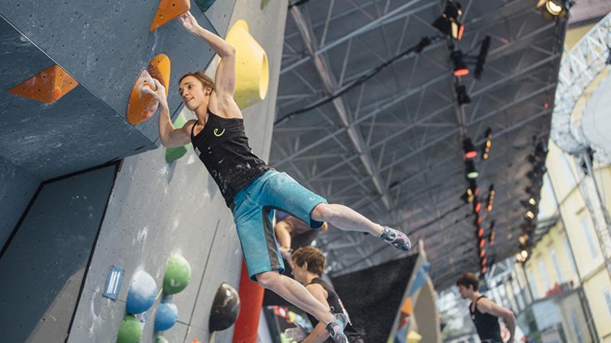 Julianne Wurm durante las semifinales en Innsbruck (© ÖWK / Elias Holzknecht).