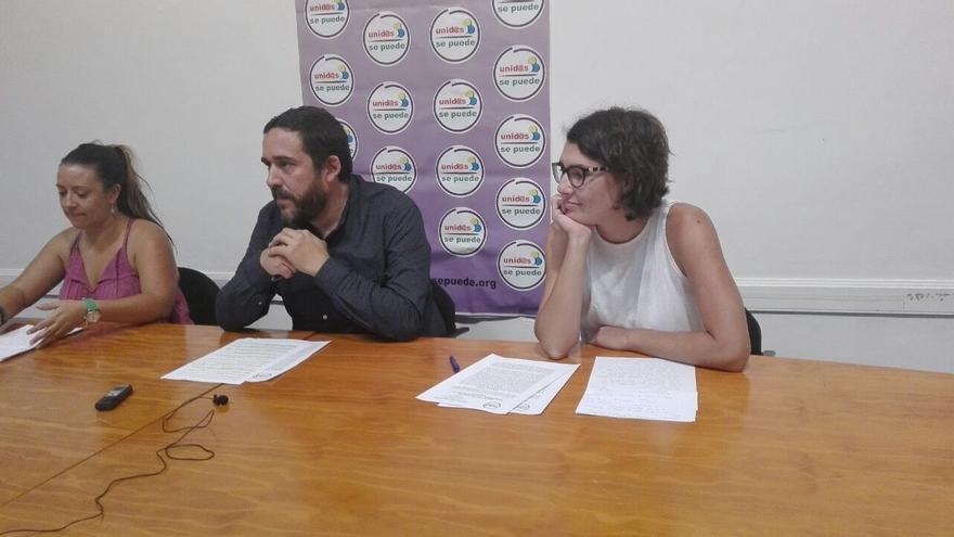Idaira Afonso, Rubens Ascanio y María José Roca, este miércoles en rueda de prensa, en La Laguna