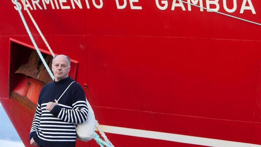 El periodista Valentín Carrera narra 30 años de ciencia española en la Antártida