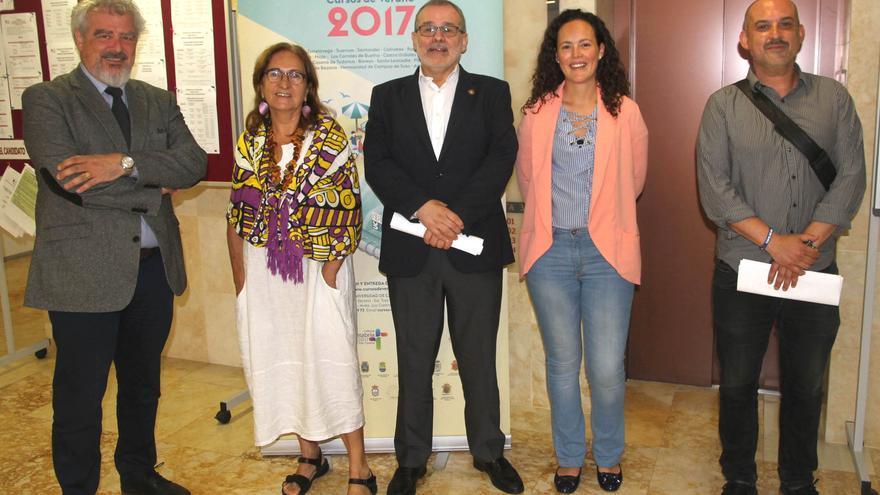 Tomás Mantecón, Pilar Estébanez, Ángel Pazos, Raquel Gómez y Jesús San Emeterio, en la presentación del curso.