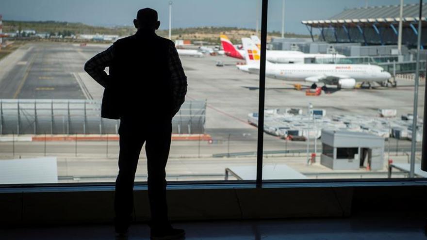 Los vuelos de interior suben en julio un 7,8% y el uso del AVE crece un 2,4 %