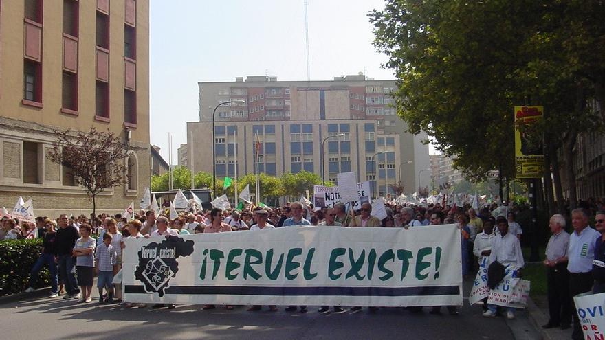 Más de 50.000 personas se manifestaron en Zaragoza en 2004 convocados por Teruel Existe