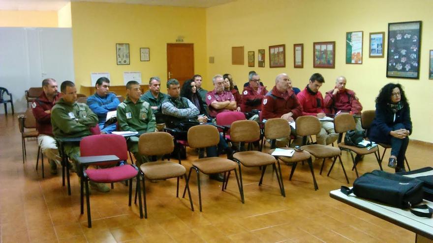 En la imagen, participantes en el taller  sobre la erradicación del uso ilegal del veneno en el medio no urbano impartido y organizado por la Sociedad Española de Ornitología.