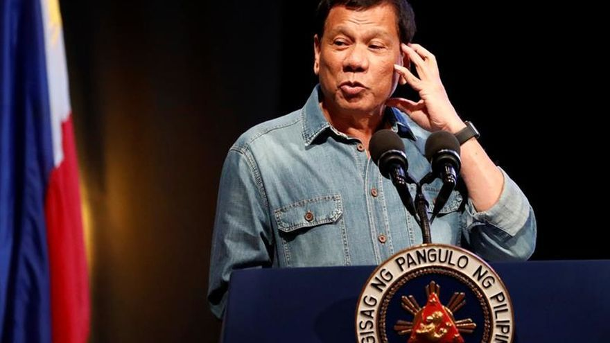 Duterte destituye al ministro de Interior filipino, acusado de corrupción