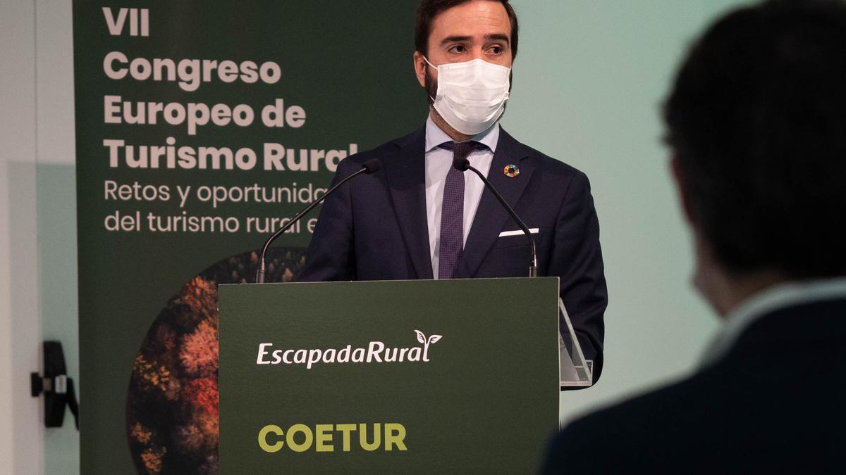El consejero de Turismo, Comercio y Consumo, Javier Hurtado
