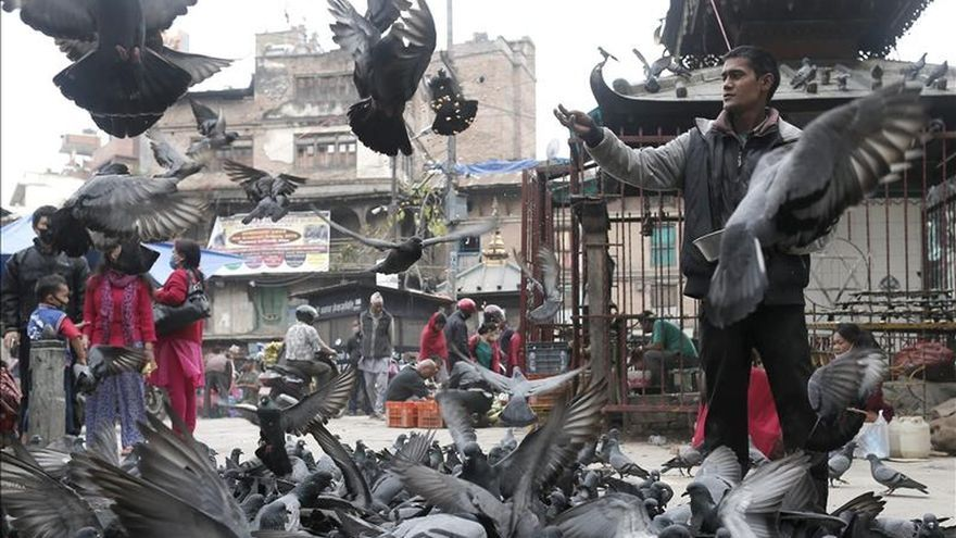 Se elevan a 6.621 los muertos en Nepal al cumplirse una semana del terremoto