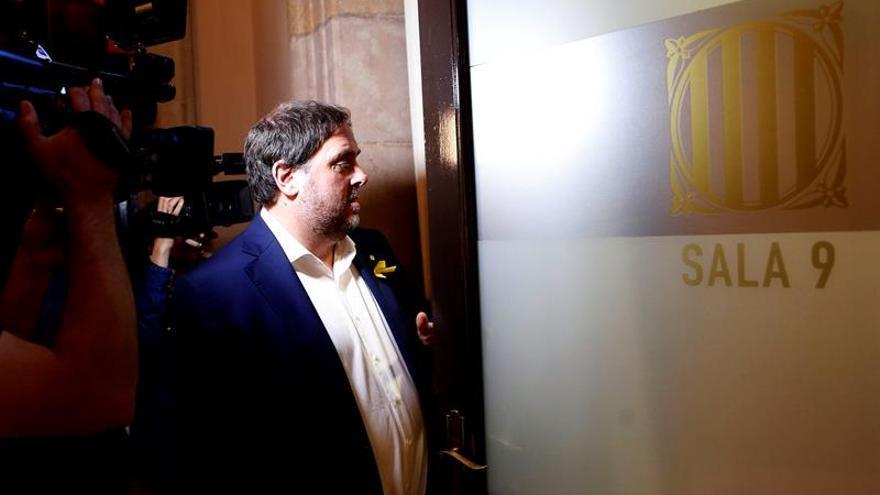 Junqueras y Romeva recurren al Constitucional su suspensión como diputados