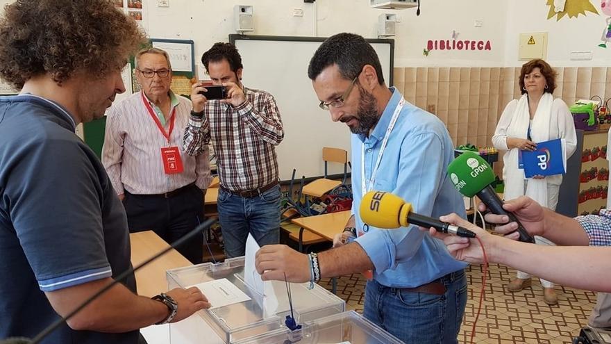 El alcalde de La Línea quiere un referéndum para que los ciudadanos opinen sobre constituirse en ciudad autónoma